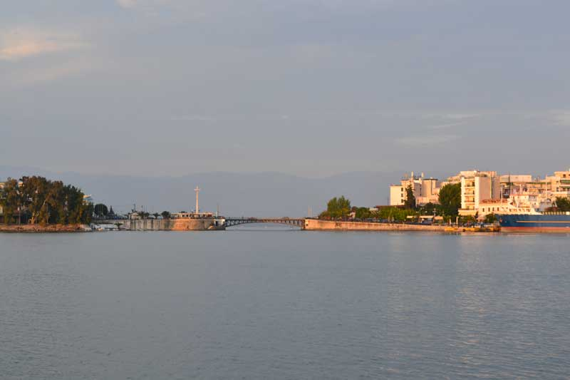 how to get from athens to volos
